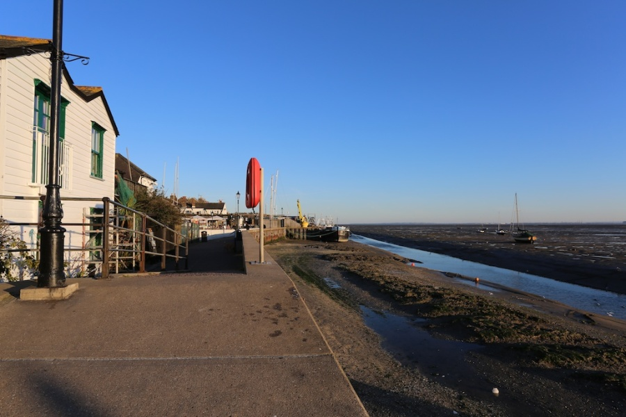 Louise_downe_walks_near_london_Benfleet 8
